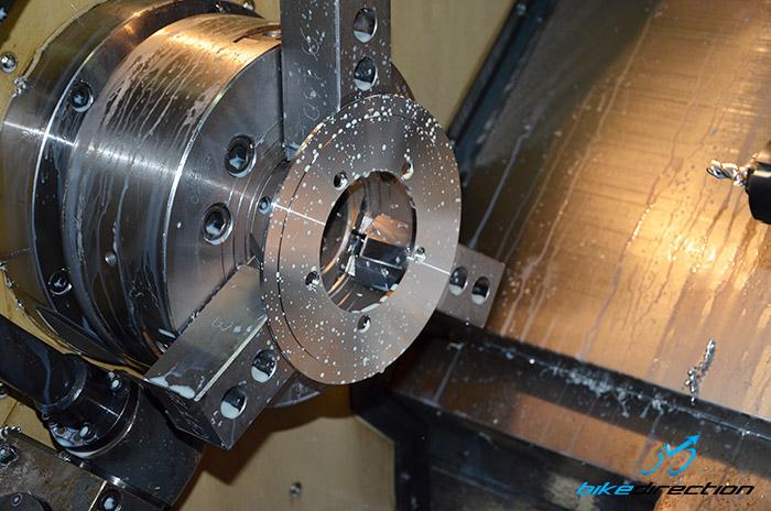 Forma corona MTB tornio CNC